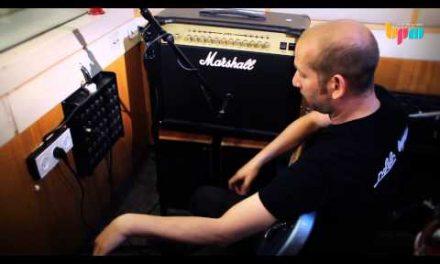 לימודי סאונד: איך להקליט גיטרה חשמלית במגבר?