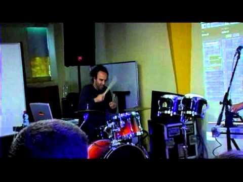בלקן ביט בוקס בסדנת אמן במכללת BPM בביצוע לקטע Cha Cha